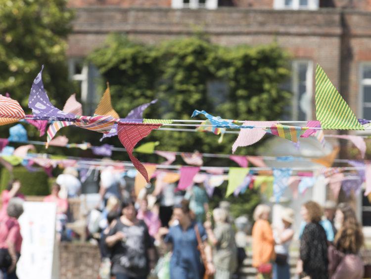 Hole Park | Midsummer & Midwinter Fair | Wealden Times Fair.